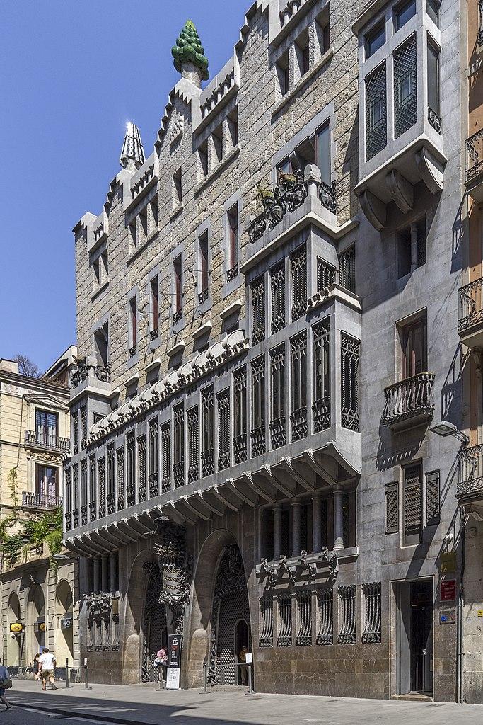 Palau Güell d'Antoni Gaudi dans le quartier du Raval à Barcelone - Photo de Thomas Ledl