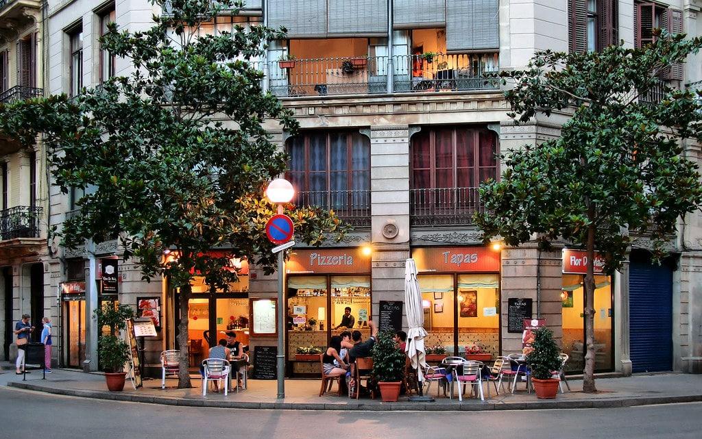 Bar dans le Raval, chouette quartier où boire un verre - Photo de Jorge Franganillo