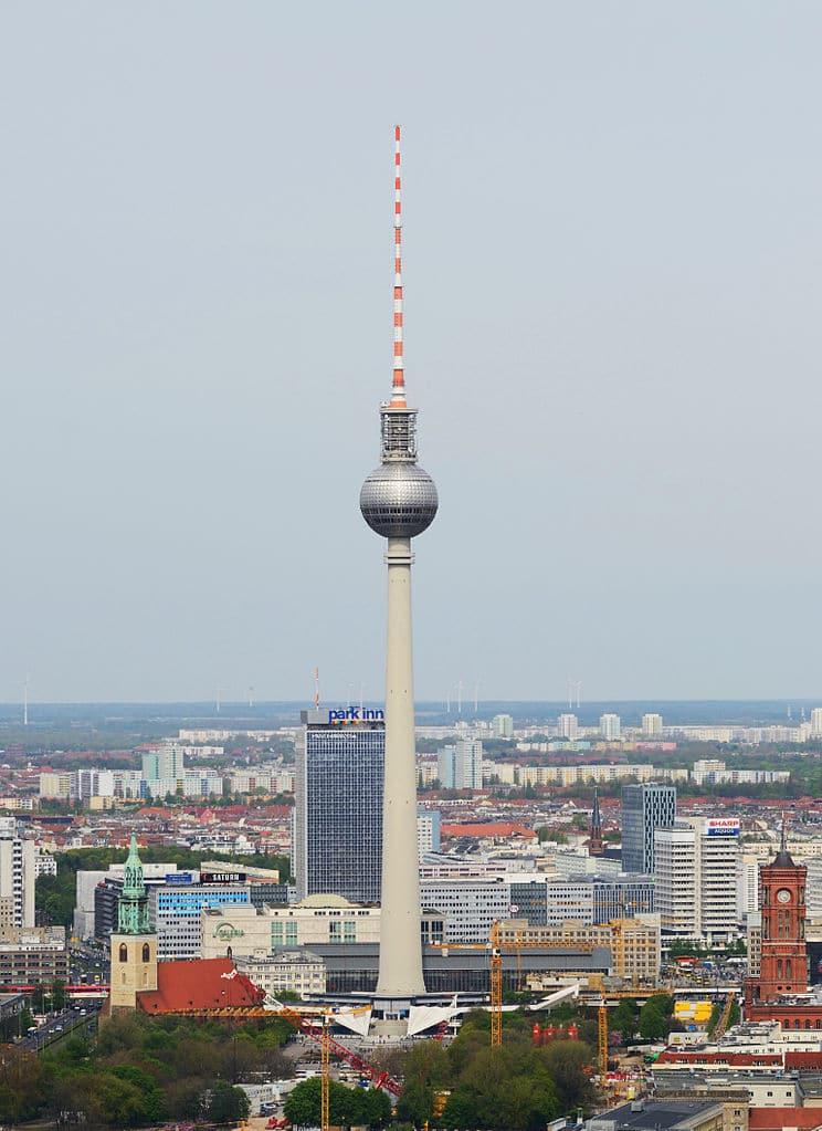 Tour TV Fernsehturm à Berlin - Photo de Taxiarchos228