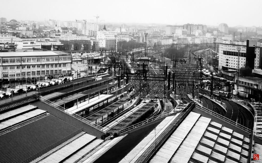 Pratique : Vue sur les toits de la gare de Jean Macé à Lyon.