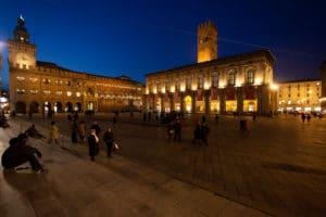 Piazza Maggiore à Bologne, place principale de la vieille ville