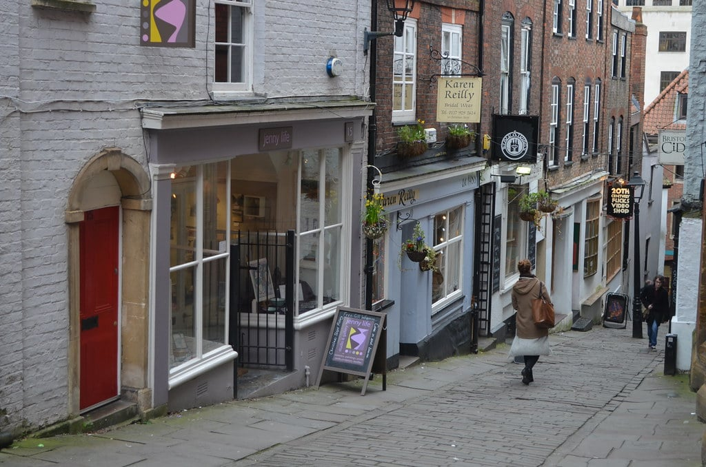 Christmas steps à Bristol - Antiquaires et magasins indépendants.