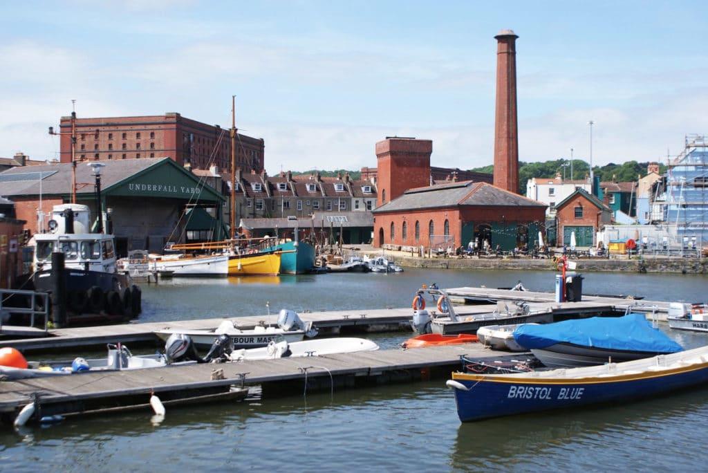 Vue sur un bout du port flottant de Bristol.