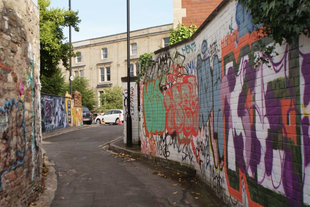 Street art dans le quartier de Montpellier à Bristol.