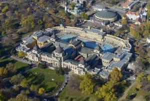 Quartier de Varosliget : Parc, zoo, therme en plein air et musées