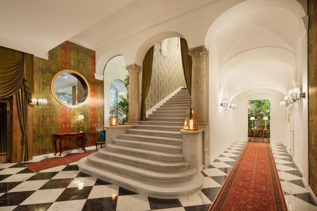 Mystery Hotel Budapest : Hotel de luxe à Budapest.