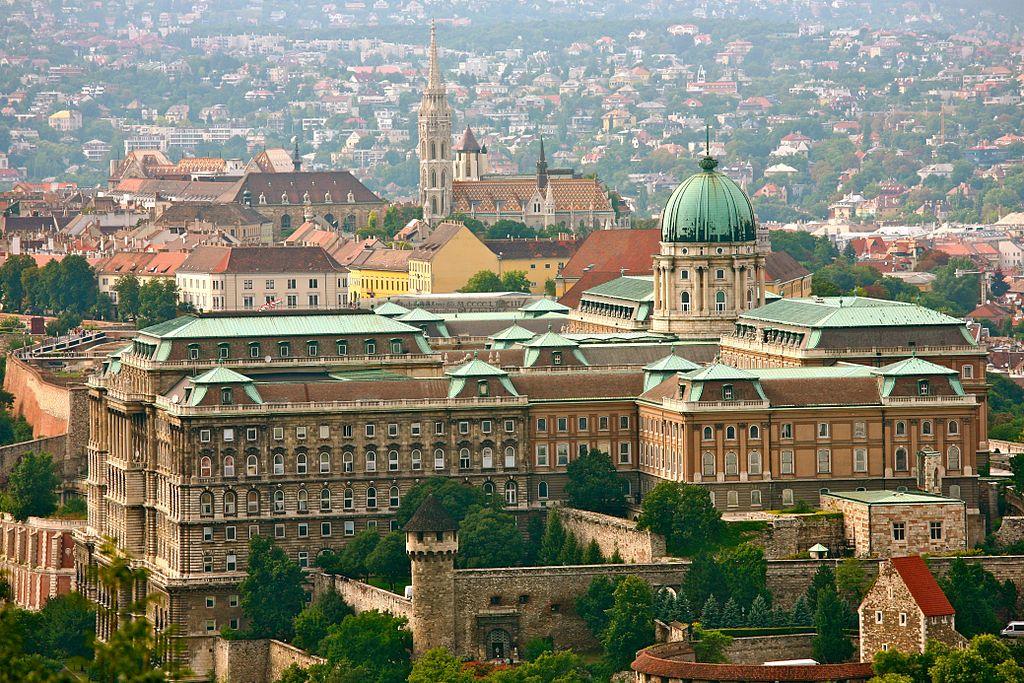 Vue sur le Chateau dans le quartier de Buda à Budapest - Photo d'Alex Proimos