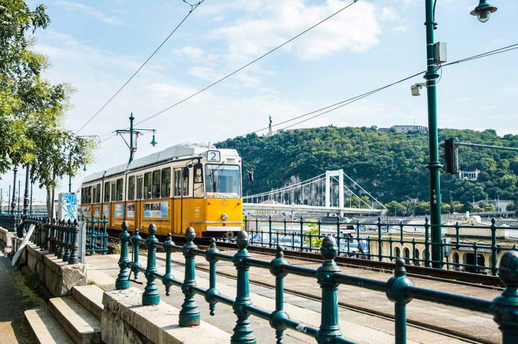 Transport en commun à Budapest avec le tramway - Photo d'Arvydas Venckus