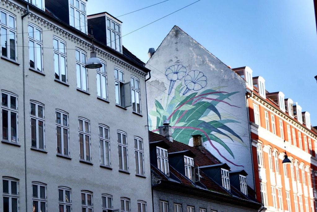 Street art sur un immeuble du quartier de Vesterbro à Copenhague.
