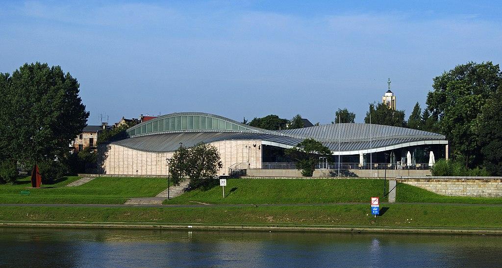 Musée Manggha à Cracovie, vu depuis le fleuve - Photo de Zetpe0202