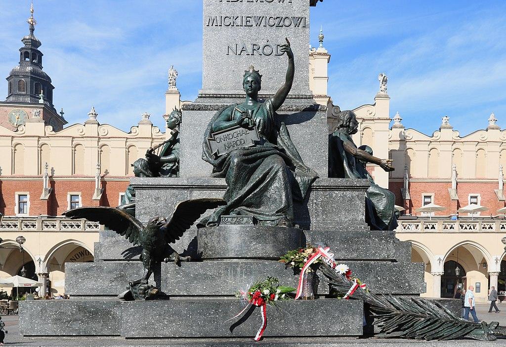 Statue sur la place du marché de Cracovie - Photo d'Ingo Mehling