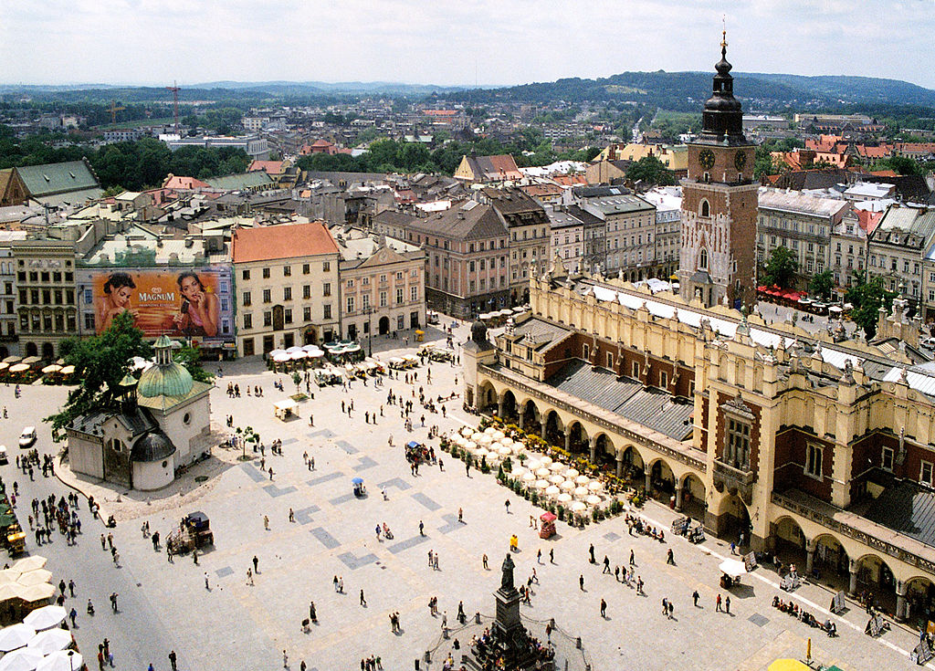 Rynek, place du marché du centre historique de Cracovie - Photo Pko