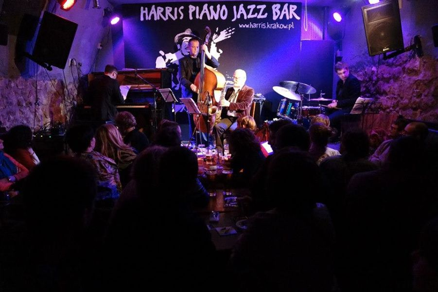 Concerts tous les soirs au Harris piano bar à Cracovie.