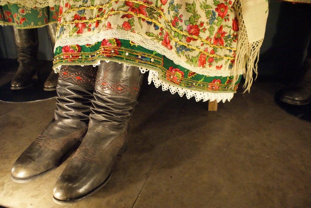 Habits traditionnels au Musée d'ethnographie de Cracovie dans le quartier de Kazimierz.