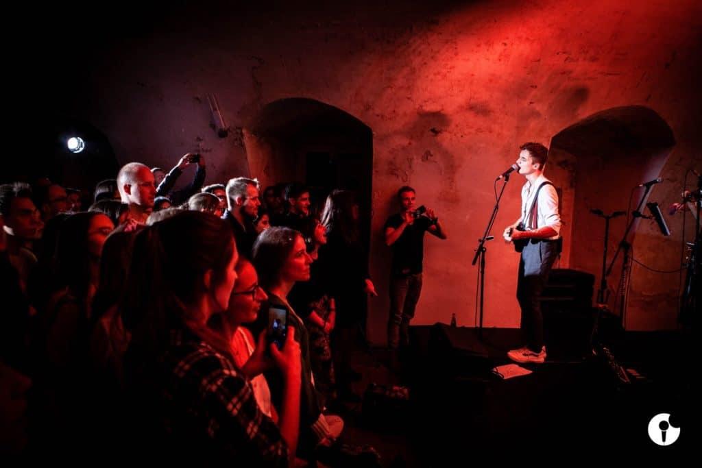 Concert au Luneta Nocą à Cracovie.
