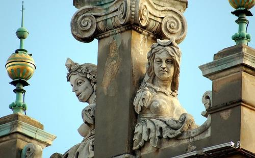 Détails de la halle aux draps ou Sukiennice à Cracovie par soylentgreen23@Flickr