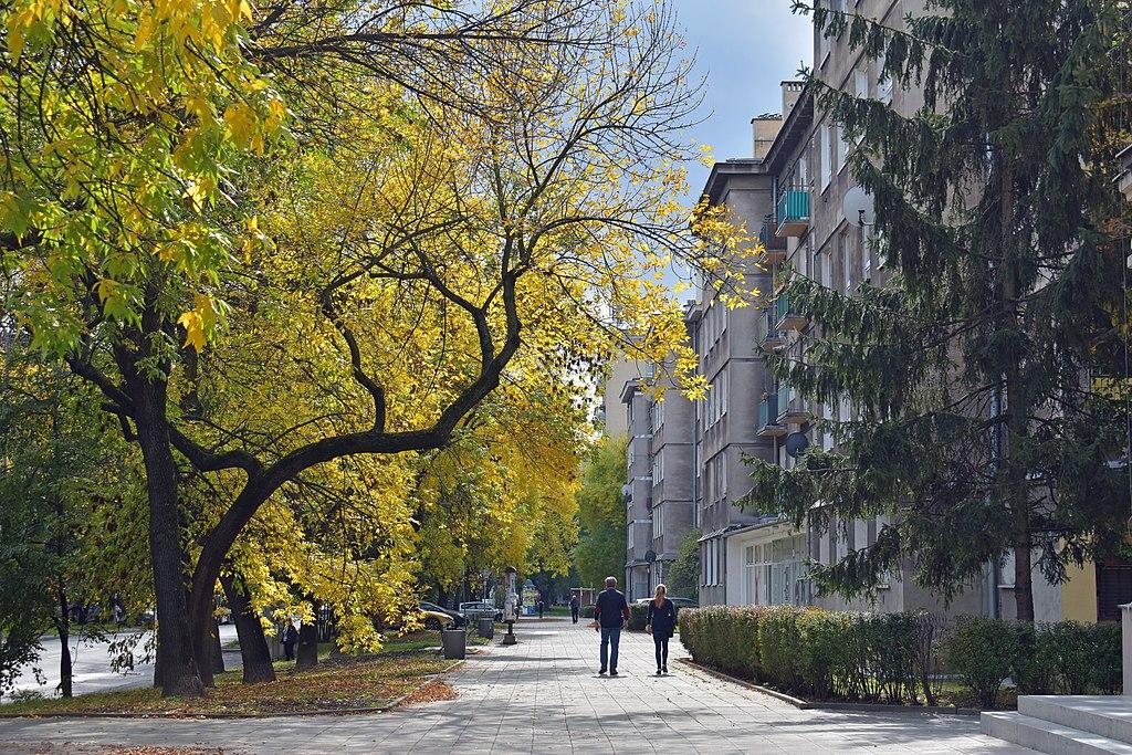 Dans une des cité d'habitation dans le quartier de Nowa Huta à Cracovie. Photo de Zygmunt Put
