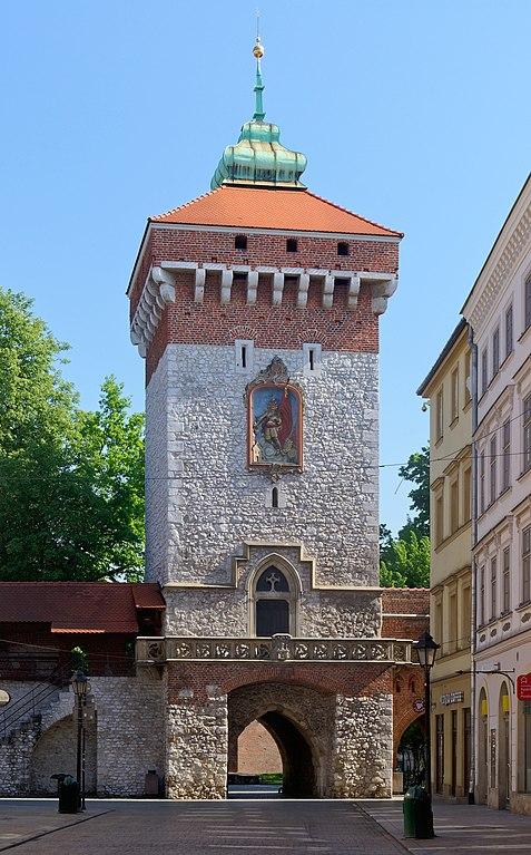 Porte Florian, la dernière de fortifications autour du centre historique de Cracovie - Photo de Jakub Halun