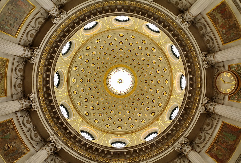 Dome du City Hall de Dublin - Photo de Robert Linsdell