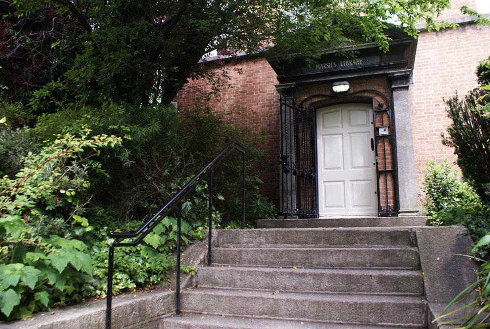 Entrée de la bibliothèque Marsh à Dublin
