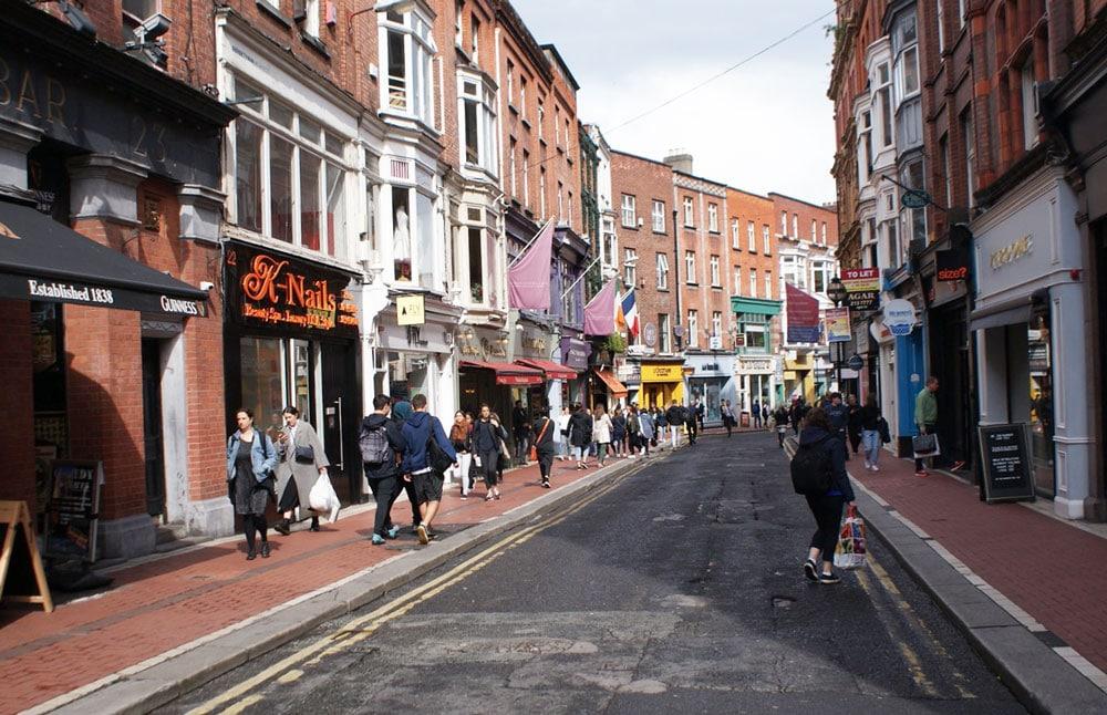 Rues commerçantes dans le centre de Dublin.
