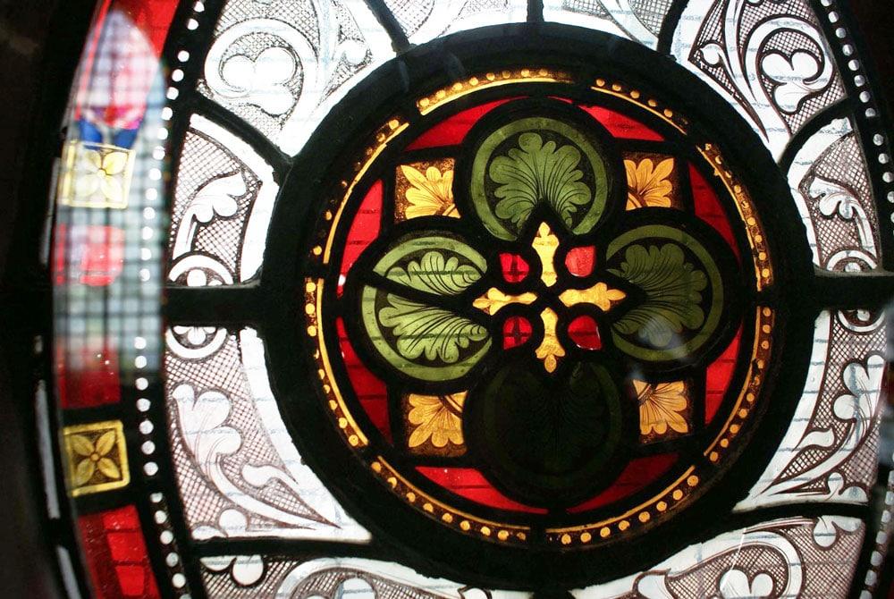 Vitraux entre la cathédrale Christchurch et le musée d'histoire médiévale Dublinia à Dublin.