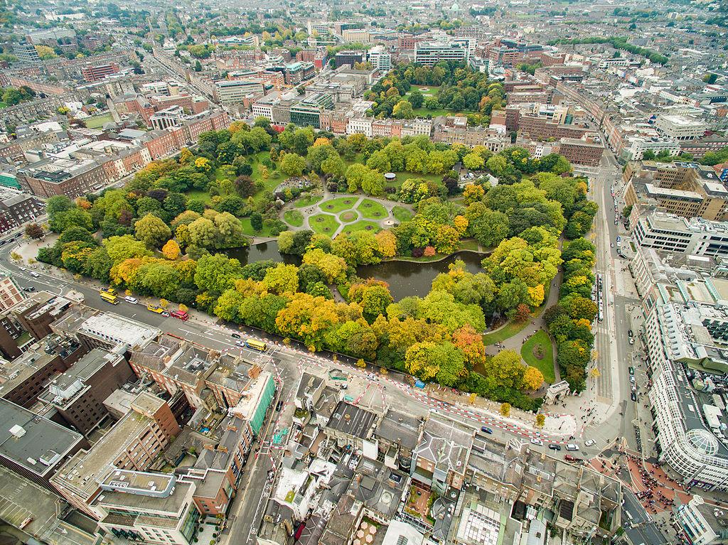 Quand venir à Dublin en Irlande ? Climat et météo à 7 jours. Photo du parc de St Stephen's Green de Dronepicr.