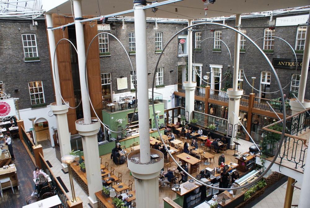 A l'intérieur de Powerscourt Townhouse Centre dans le centre de Dublin.