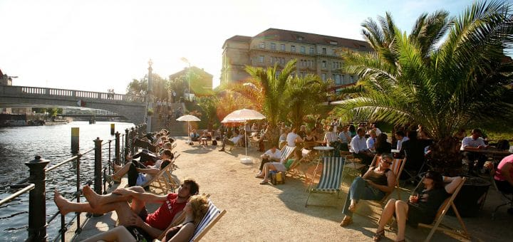 Strand bar, bar de plage à Berlin.