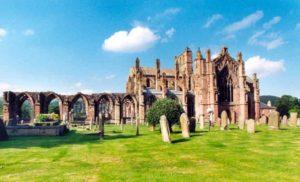 Châteaux et abbayes en ruines près d'Édimbourg en Ecosse