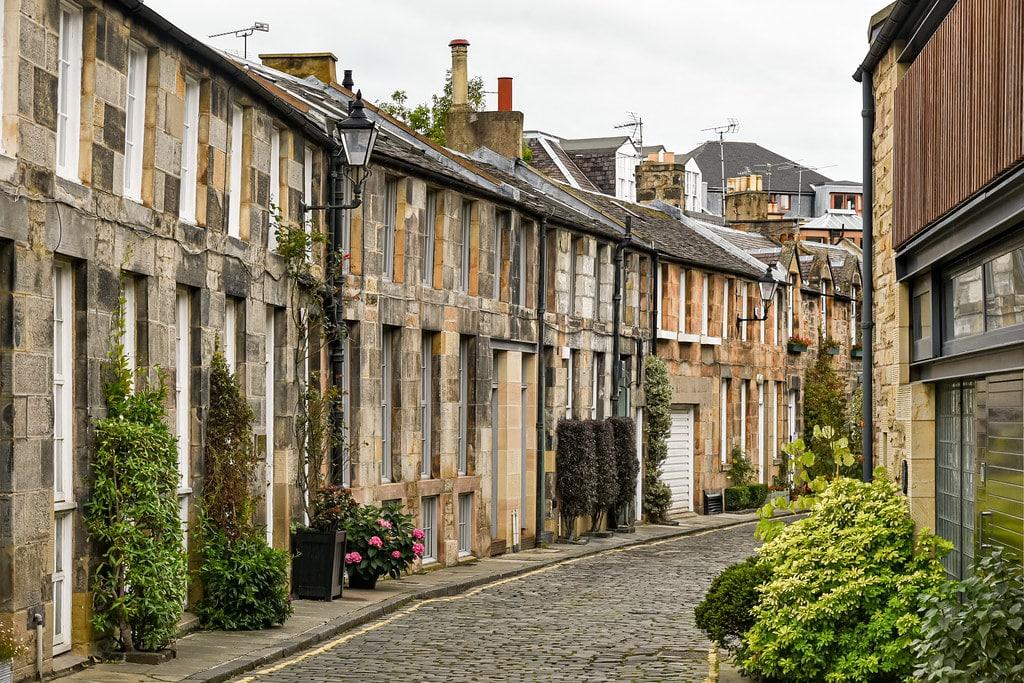 Ruelle tranquille du quartier de Stockbridge à Edimbourg. Photo de Jorge Franganillo.