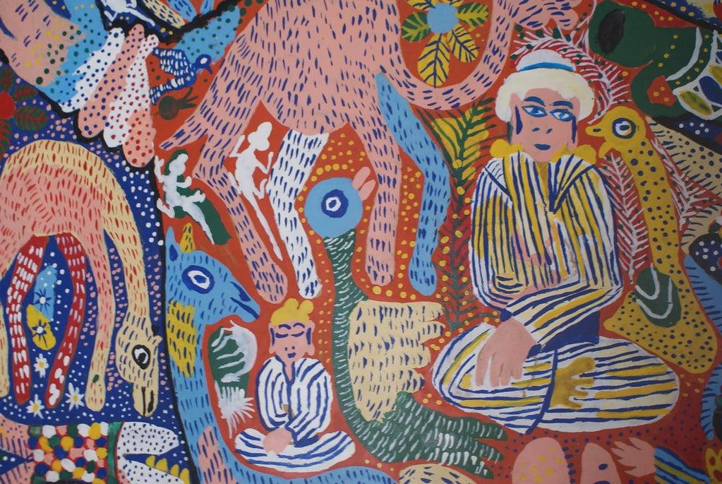 > Une oeuvre dans le style d'Essaouira (de Mohammed Tabal ?): Naif, coloré et débordant d'énergie.