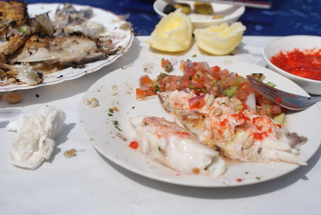 Restaurant à Essaouira : > Une bonne dorade grillée + salade marocaine = Du bonheur en barre