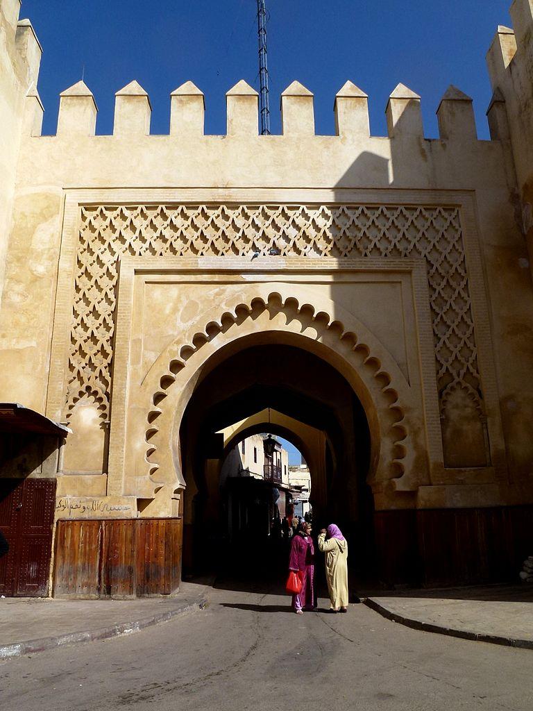 Porte de Bab Semmarine dans le quartier de Jdid à Fès - Photo d'Hiroki Ogawa