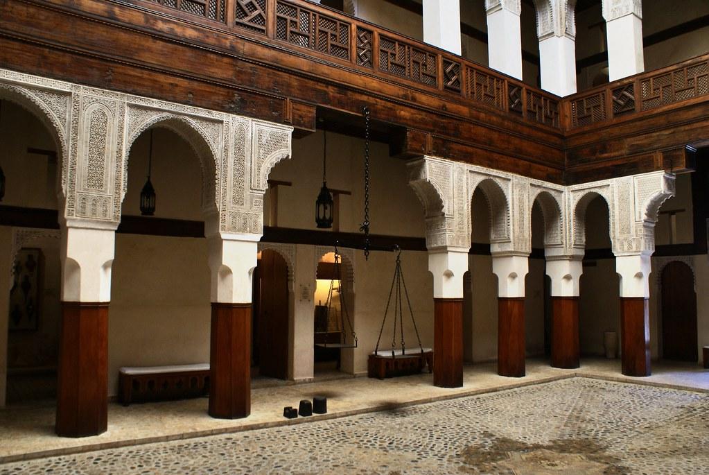 Musée Nejjarine dédié à l'artisanat en bois dans le centre historique de Fès (Medina).
