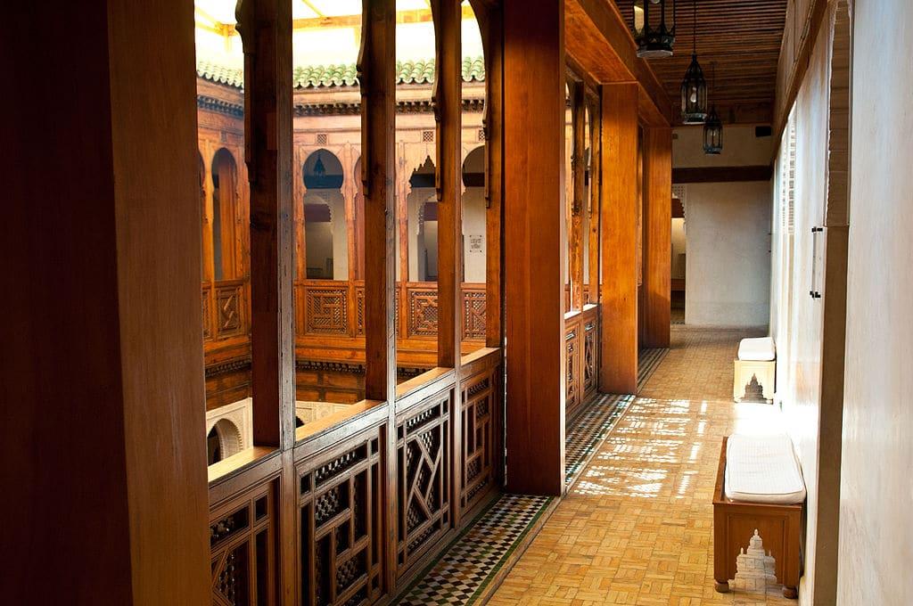 Dans le Musée de l'artisanat en bois Nejjarine dans la Médina de Fès. Photo de Michel Osmenda