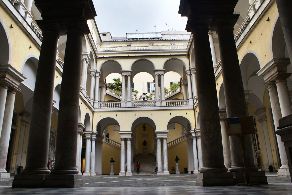 Monument : Palazzo Balbi Senarega, siège de l'Université à Gênes.