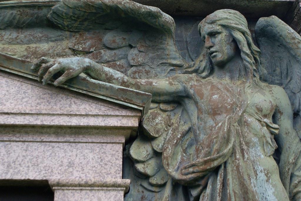 Statue d'ange dans le Nécropole de Glasgow.