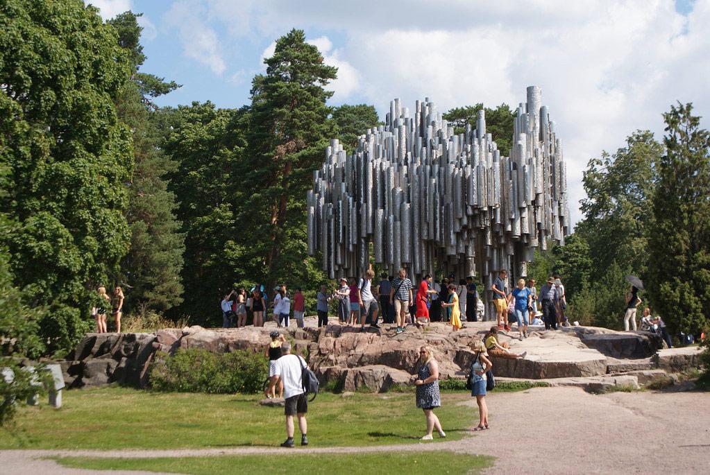 Sculpture dédiée au compositeur finlandais Sibelius dans le parc du même nom à Helsinki.
