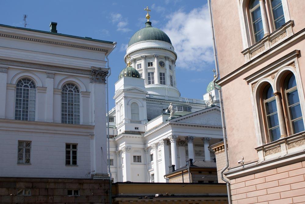 Cathédrale luthérienne d'Helsinki dans le centre historique.
