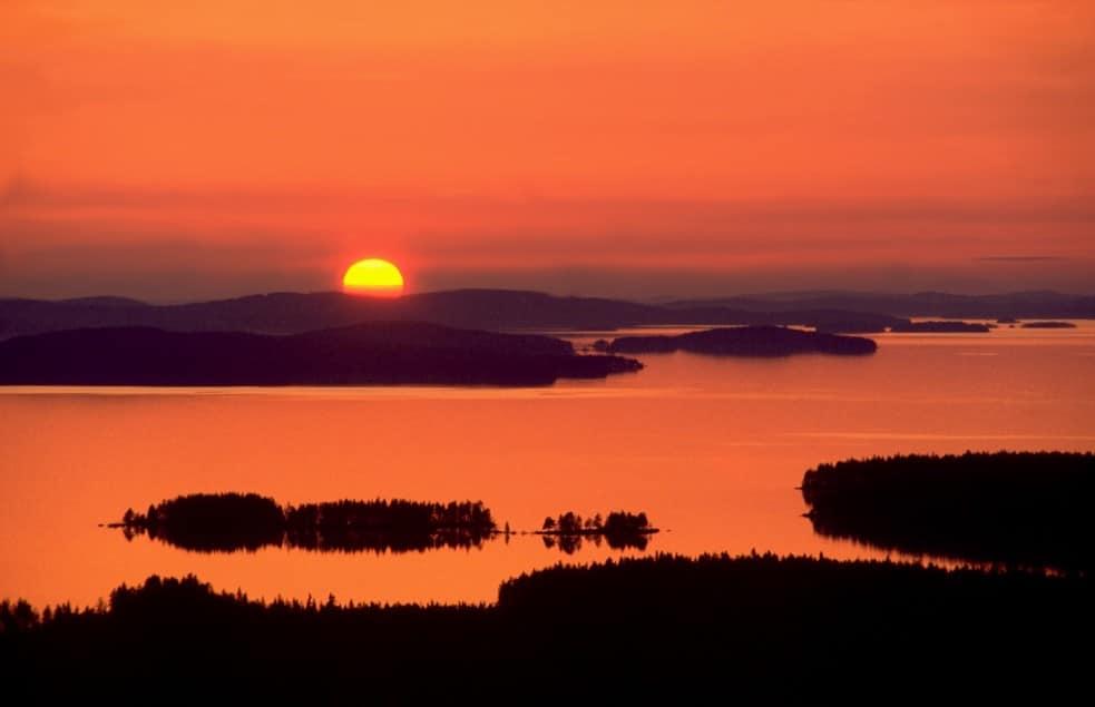 Paysage de Finlande, coucher de soleil sur le lac Pielinen - Photo de Paul-Lenz