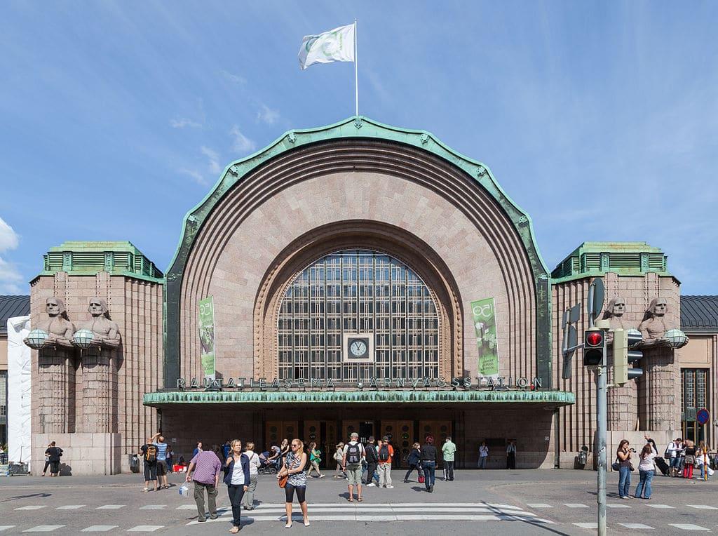Façade de la Gare d'Helsinki - Photo de Diego Delso.