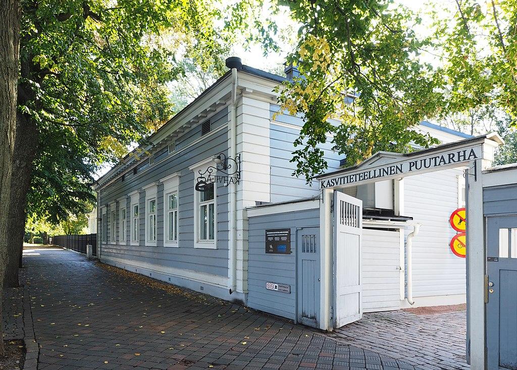 A l'entrée du jardin botanique d'Helsinki - Photo de Marit Henriksson