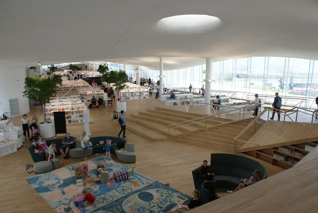 Bibliothèque d'Helsinki Oodi : Centre d'apprentissage génial