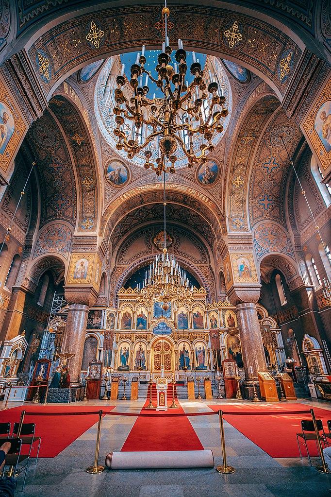 Intérieur de la Cathedrale orthodoxe Ouspenski à Helsinki. Photo de Link.