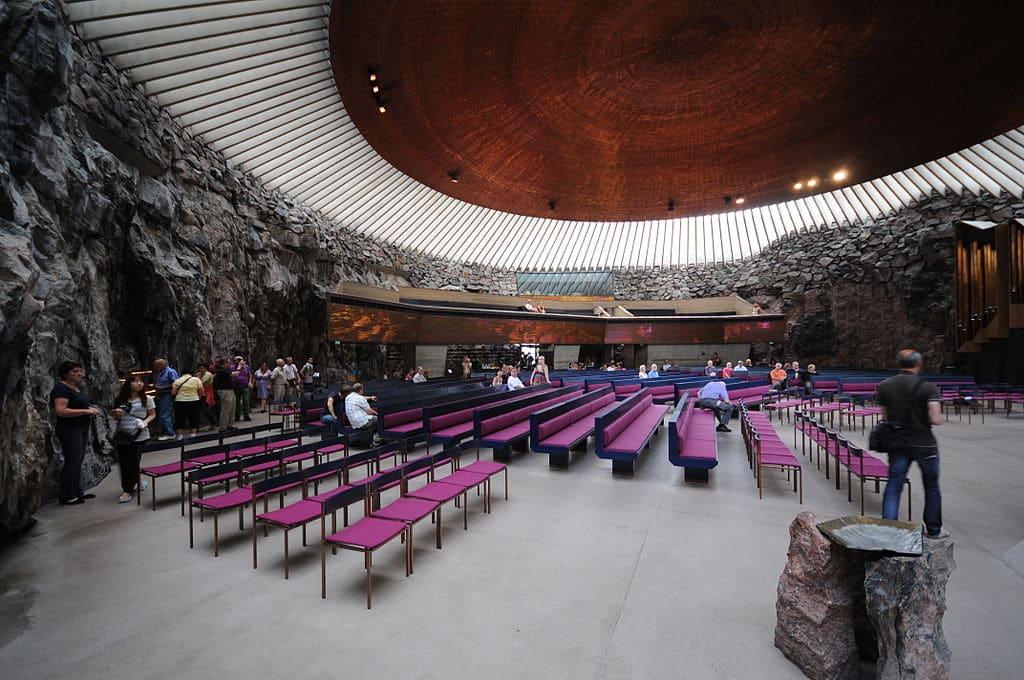 Temppeliaukio, géniale église d'Helsinki. Photo de Ralf Roletschek