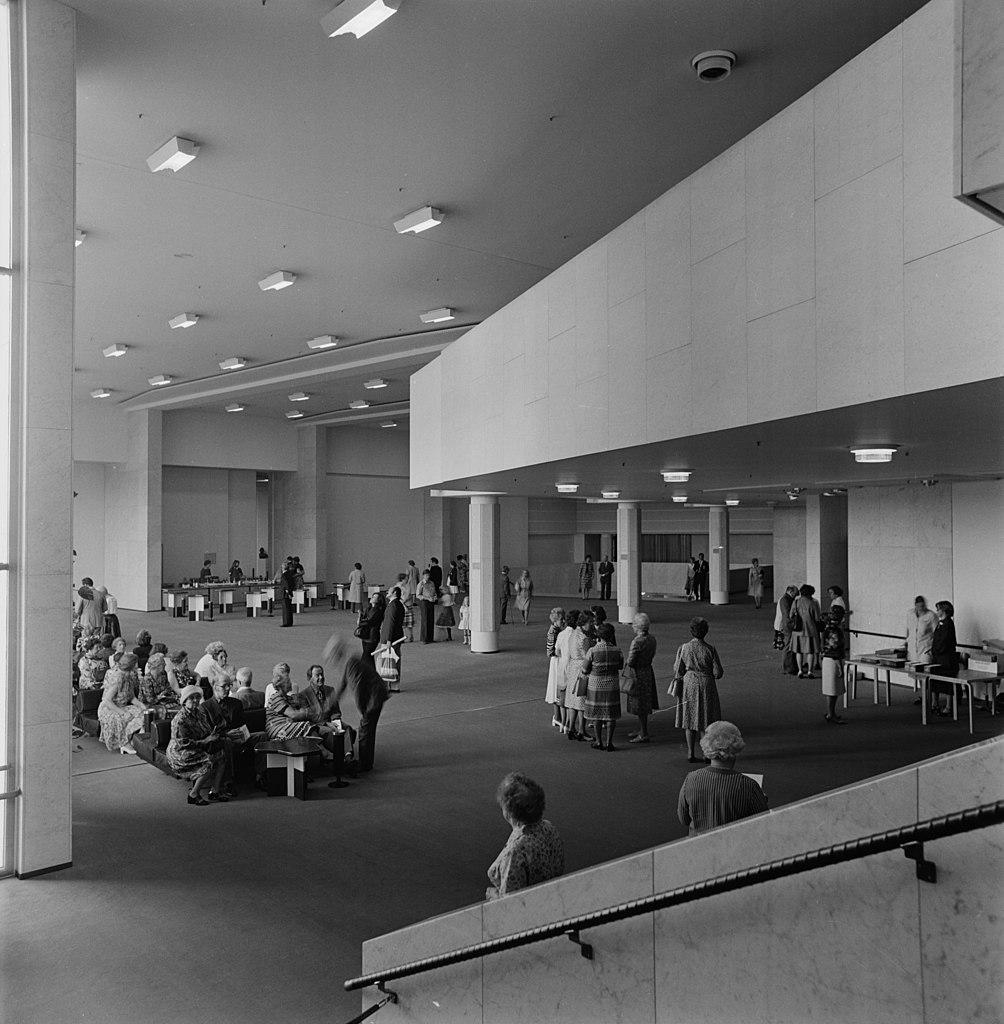 Intérieur du Finlandia Hall, construction d'Aalto à Helsinki - Photo de Volker von Bonin