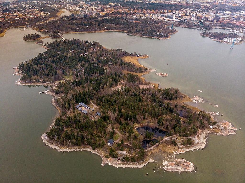 Seurasaari, parc et musée ethnographique en plein air (Skansen) d'Helsinki - Photo de Ralf Roletschek.