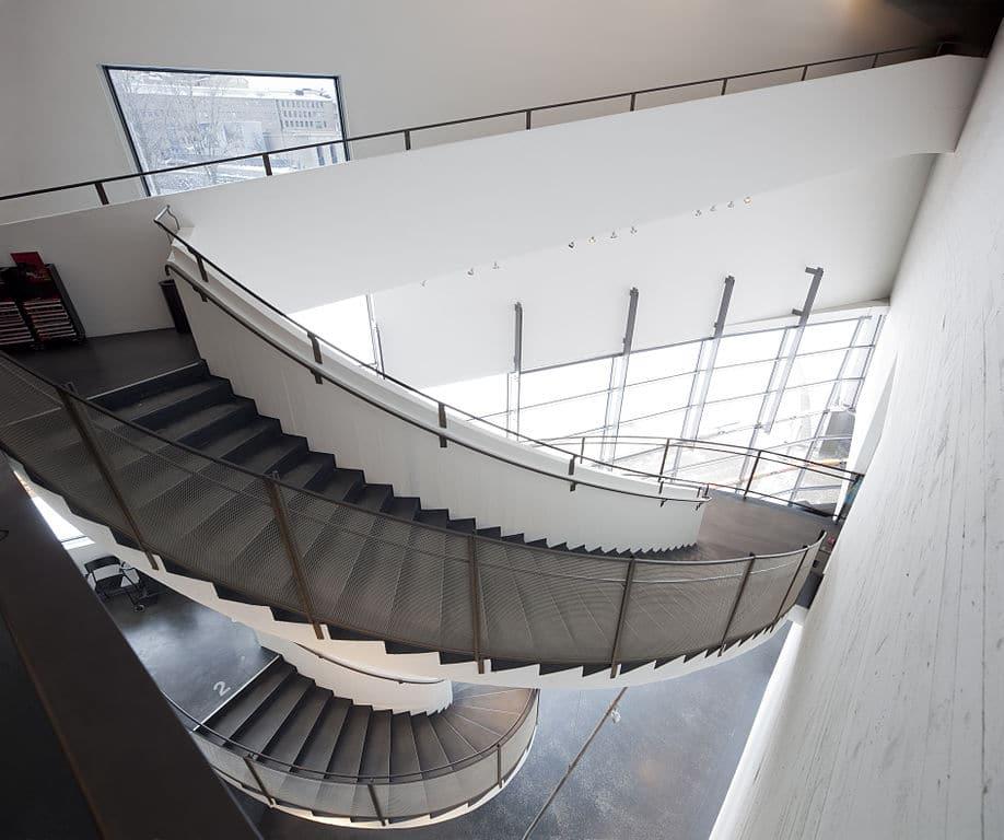 A l'intérieur du musée d'art contemporain  Kiasma à Helsinki