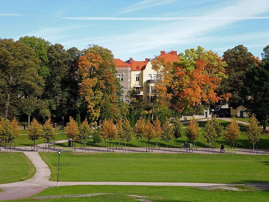 Couleurs automnales dans le parc Kaivopuisto à Helsinki - Photo de P1010087